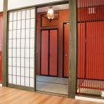 パネルヒーターの色と和室の壁色を合わせて統一感をだしてます。