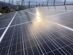 屋根一体型ソーラーパネル